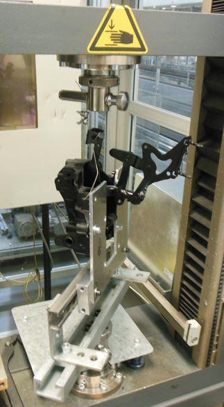 Ermittlung von Zug-/Druckkräfte an einem Mehrgelenkscharnier