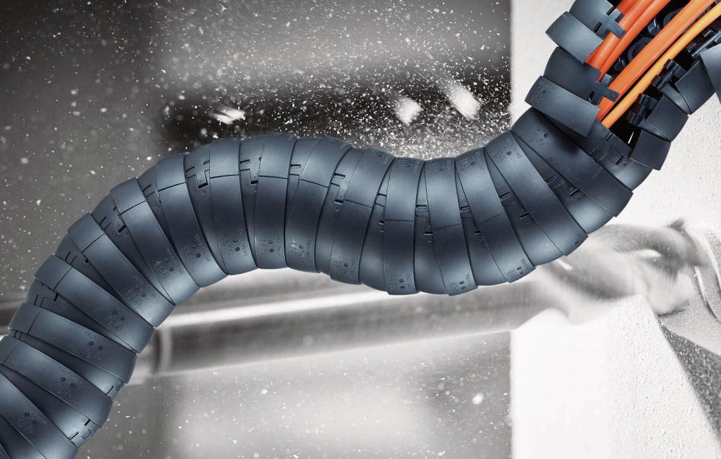 igus TRCF Kette mit igus Chainflex Leitungen