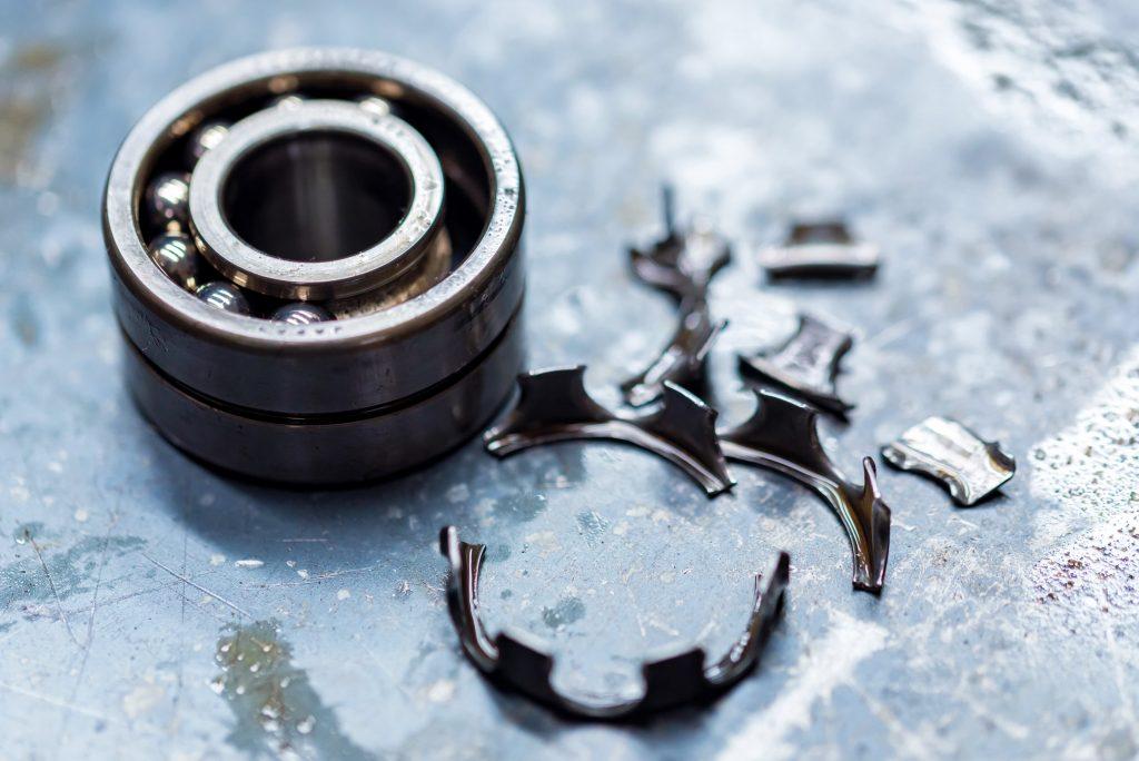 Kugellager wechseln - Defektes Metallkugellager