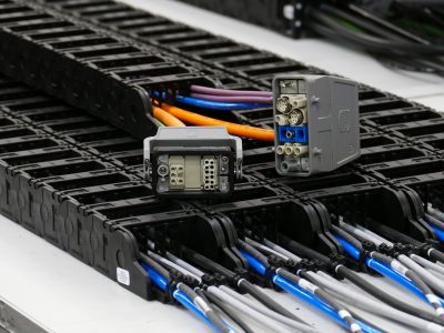 HARTING Steckverbinder an readycable
